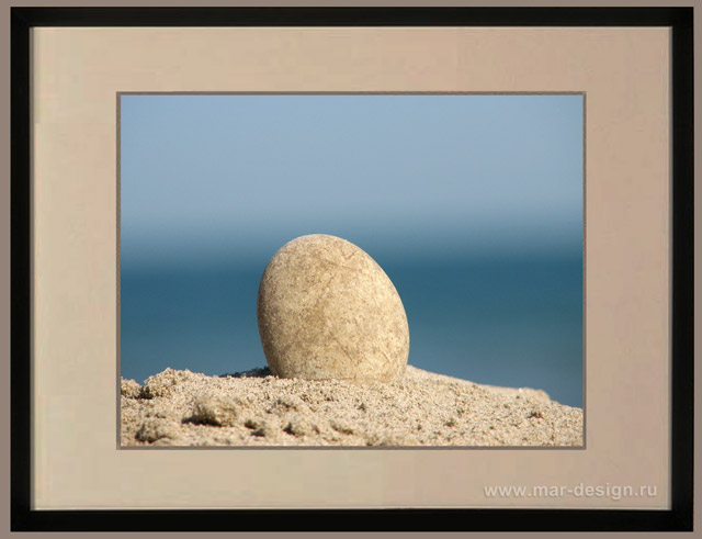 Фотография в интерьере, камень и море
